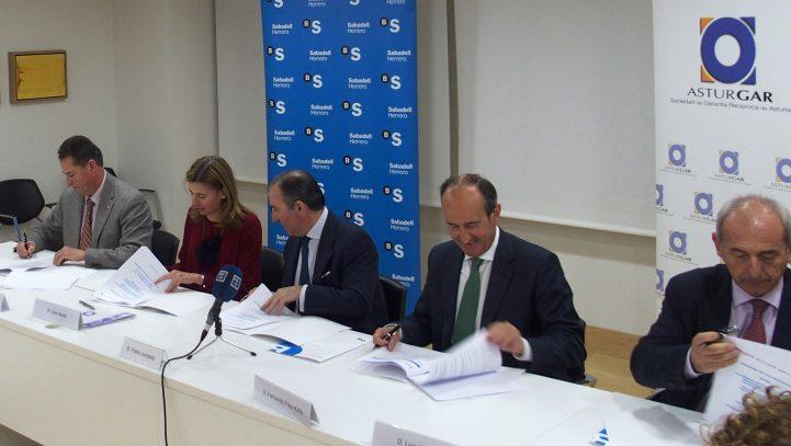 Asturgar, Cámaras de Comercio de Asturias y SabadellHerrero se unen para financiar a emprendedores, micro pymes y autónomos asturianos
