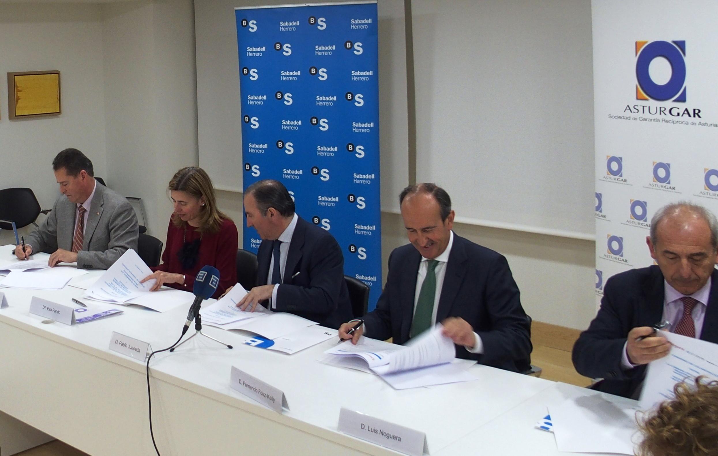 Firma convenio Cámaras Banco Sabadell